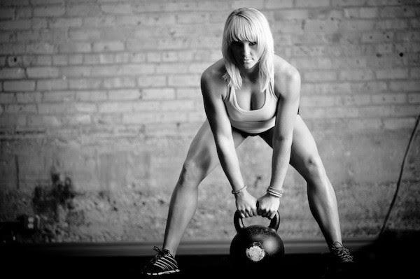 8 exercices importants que tous les débutants doivent apprendre en CrossFit®* [et que les autres doivent maîtriser parfaitement] !
