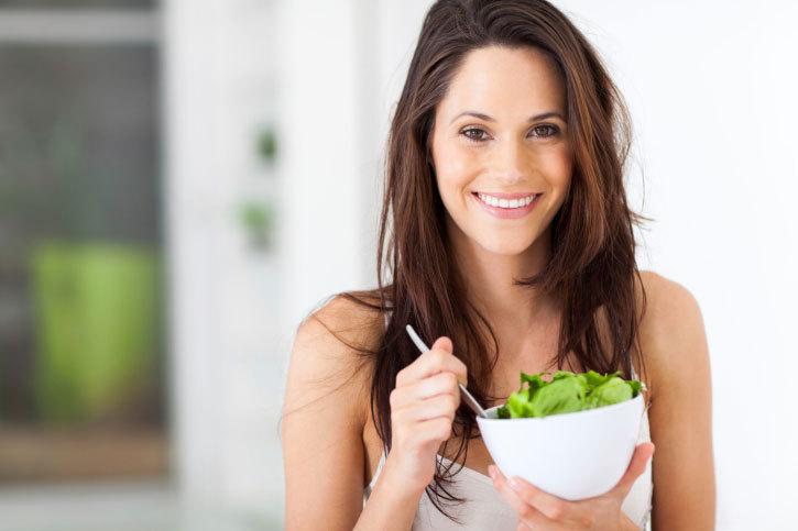 Pourquoi manger suffisamment est plus important que manger sainement