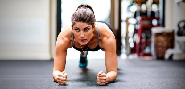 4 positions isométriques faciles à inclure dans votre programme de CrossFit®*