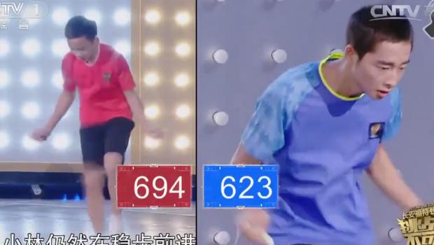 Rope Jump : deux garçons au jeu de jambes incroyable se défient pour un record étonnant