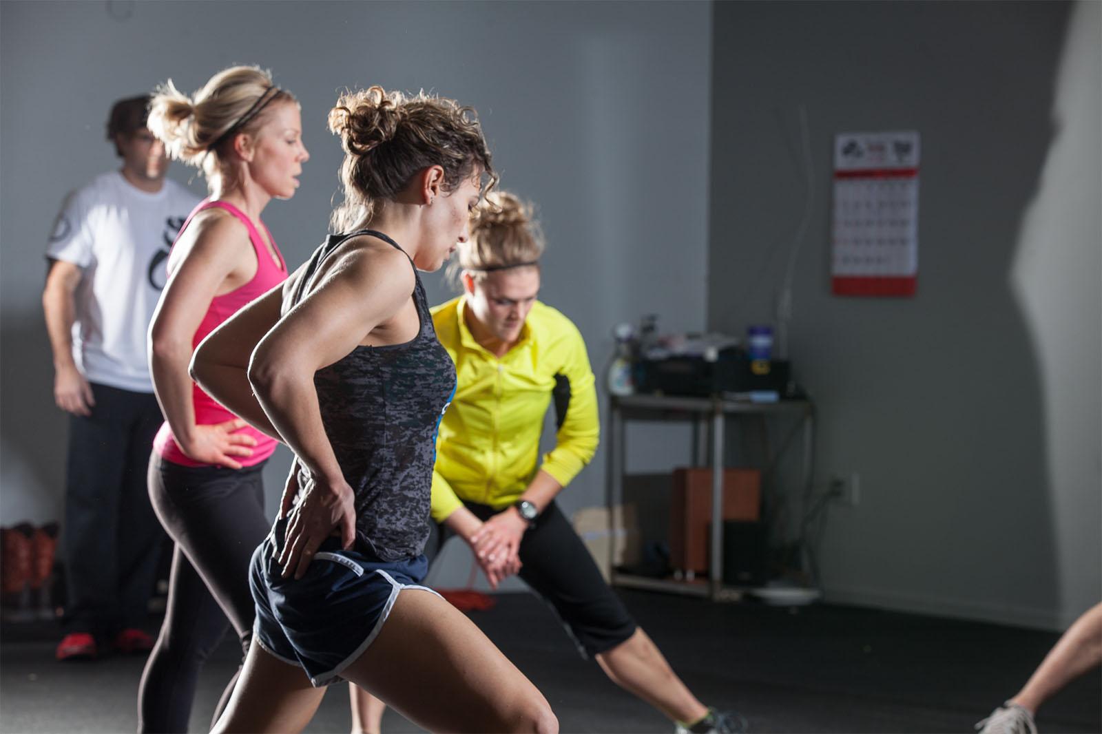 Mincir sans augmenter le volume d'entraînement ou compter les calories
