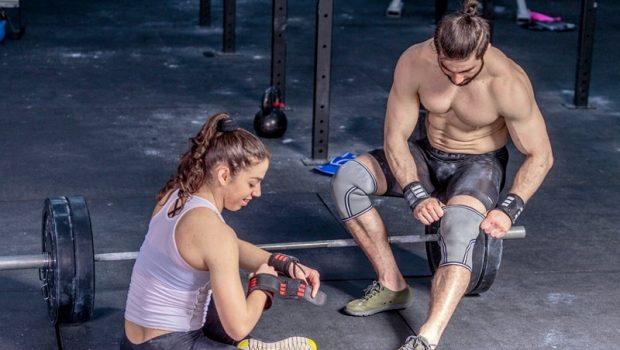 Genouillères de CrossFit ou bandes de genoux, quel équipement choisir ?