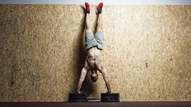 Comment maîtriser le Handstand Push-Up ?