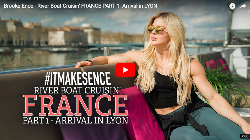 BROOKE ENCE se paie une excursion en FRANCE, à LYON