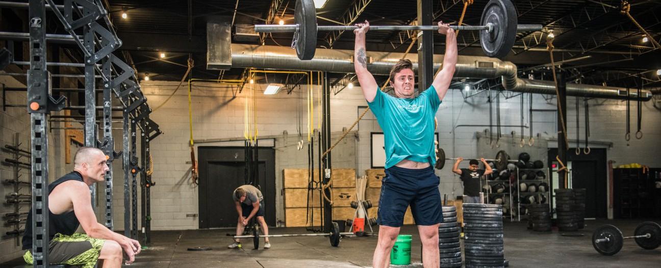 Pourquoi les 9 mouvements fondamentaux sont-ils si importants en CrossFit ?