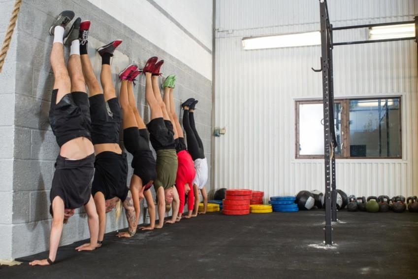 7 WODs à base de Handstand Push-Ups pour les CrossFitters !