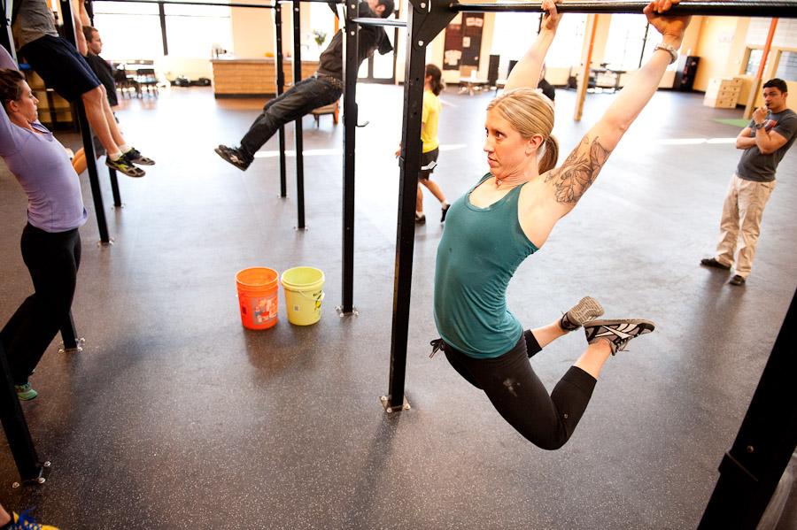 Kipping pull-ups : pourquoi les autres les détestent quand on les adore en CrossFit !