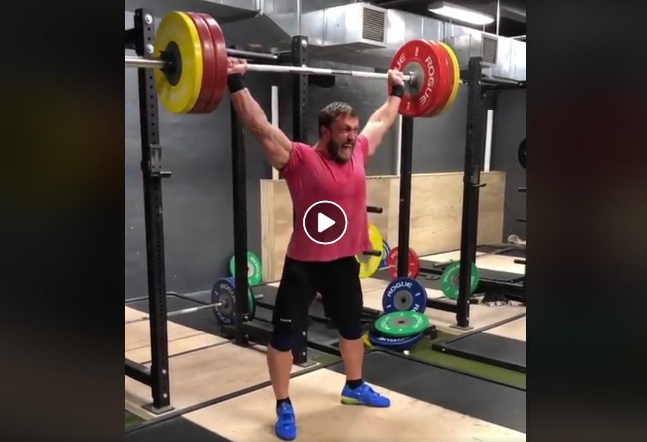Dmitry Klokov est de retour… 152.5 kg ! Et vous, vous faites combien ?