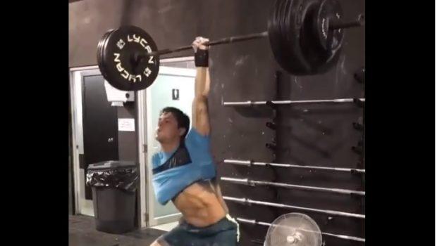 Victor Castro Assaf : complex à 80 kg à un bras !