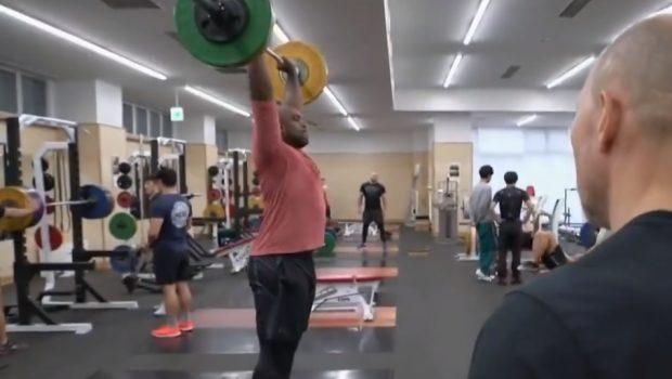Teddy Riner fait un muscle snatch à… 100 kg !