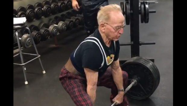 2 X 184 kg au deadlift pour Joe Stockinger… 89 ans !