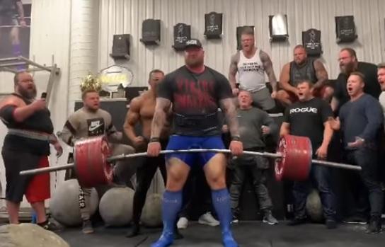 473 kg au deadlift pour Hafþór Júlíus Björnsson (La Montagne de Game of Thrones) !!