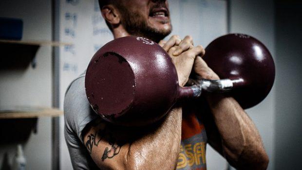 5 exercices avec des kettlebells pour gagner du muscle et de la force !