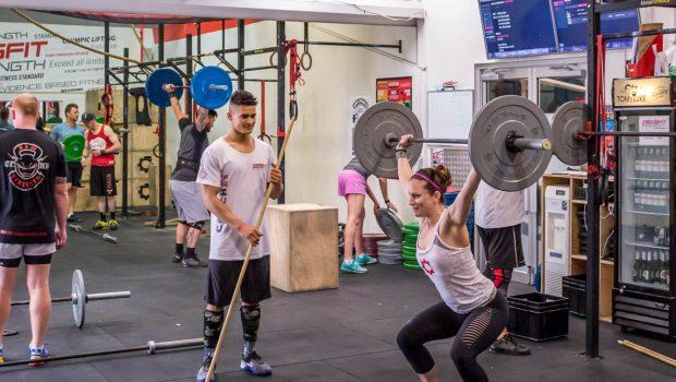 8 WODS de CrossFit ®* pour se muscler et devenir plus fort !
