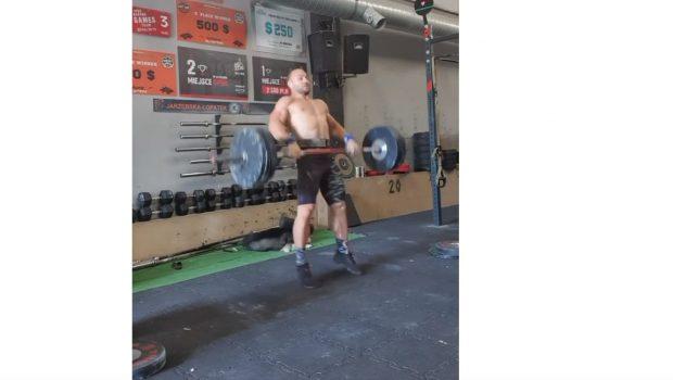 Bronisław Olenkowicz  fait le WOD «Grace» à 100 kg en 3 mn 18 !