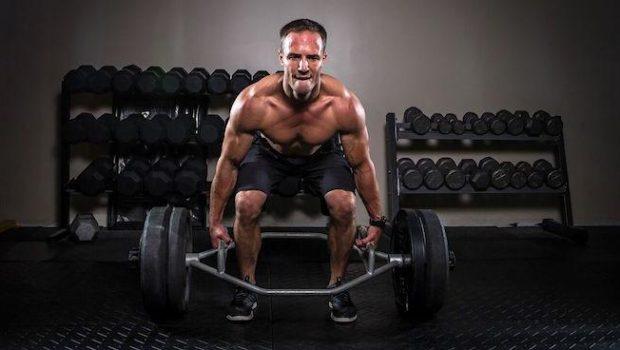 3 raisons pour lesquelles les Trap Bar Deadlifts sont un excellent outil d'entraînement !