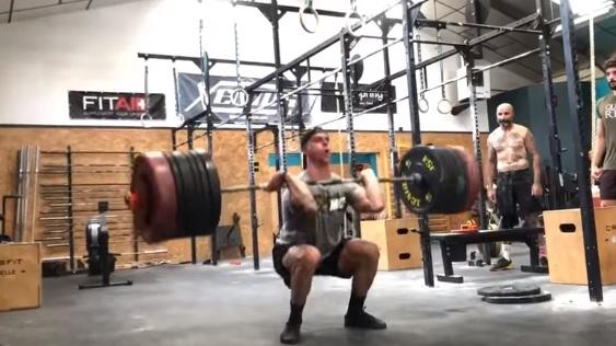 Clean à 155 kg pour Mathias Pontet de Rupella CrossFit ®* (21 ans) !