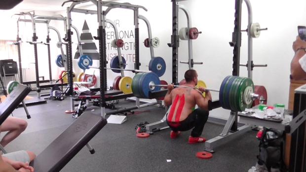 Quelques alternatives au back squat, deadlift et bench-press !
