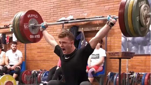 Superbe hang squat snatch à 150 kg pour Mirko Zanni !
